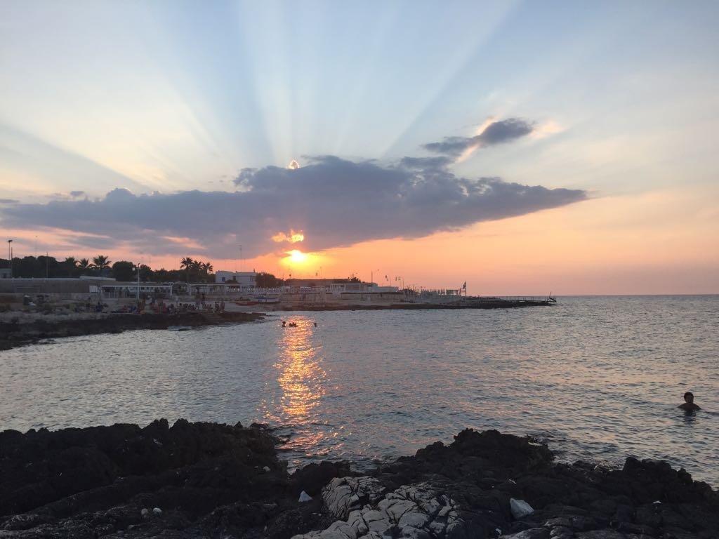Spiagge puglia cozze tramonto