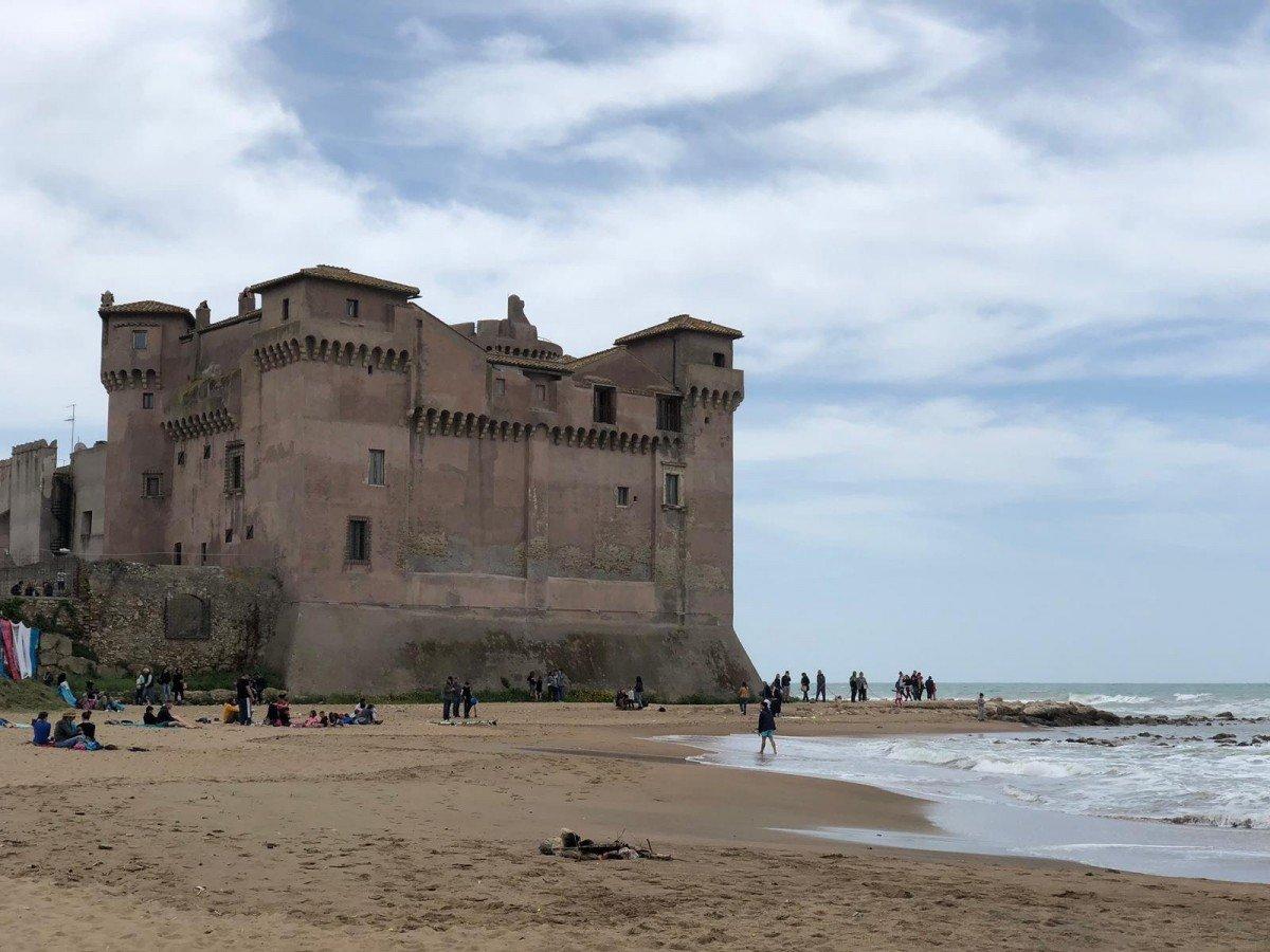 Una giornata di mare a Santa Severa