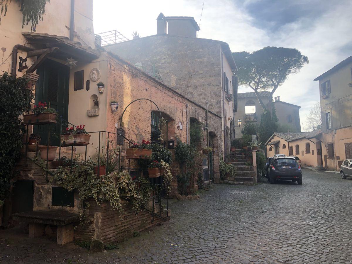 Isola Farnese