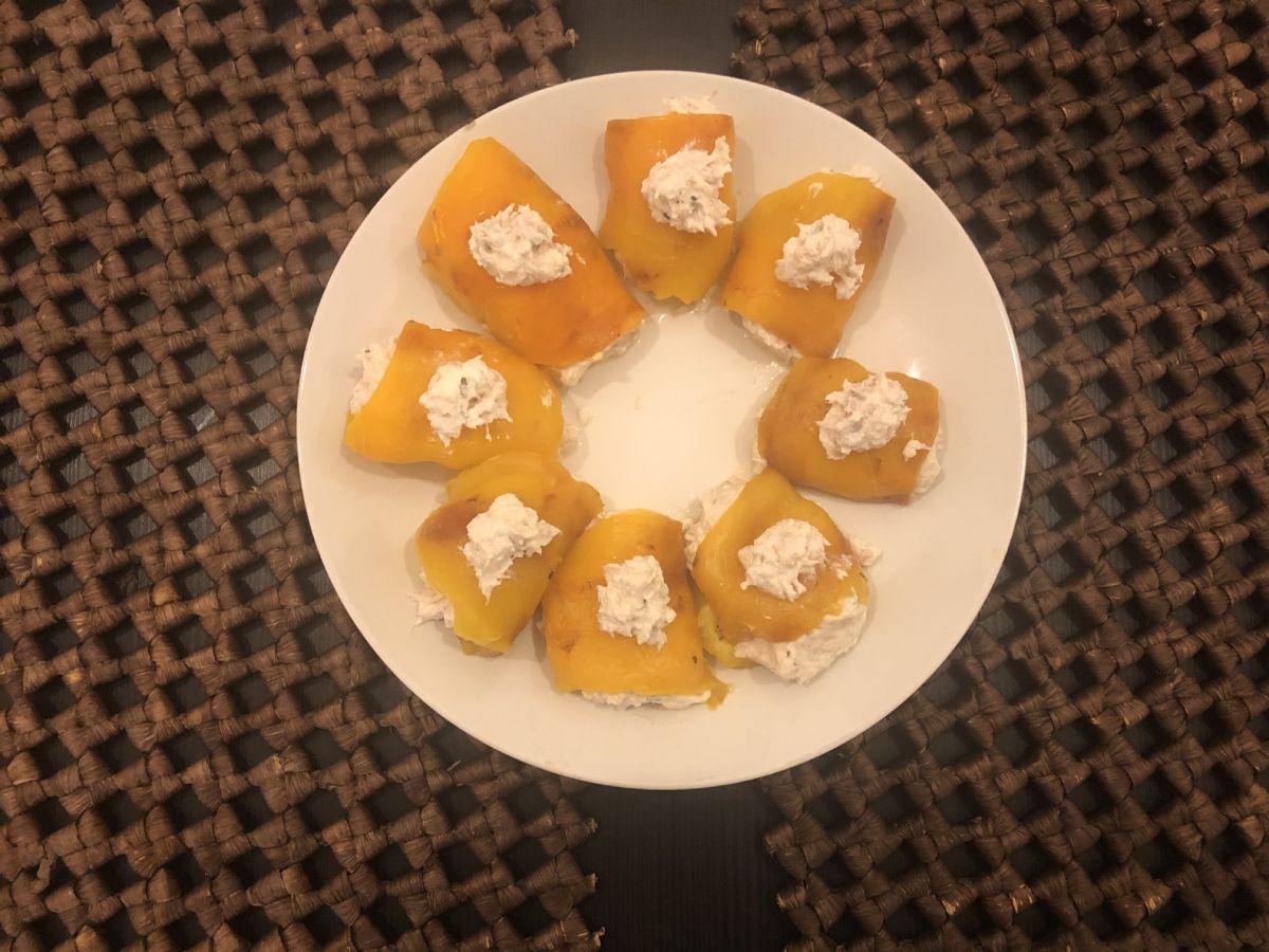 Peperoni ripieni e salsa Tzaziki: Grecia