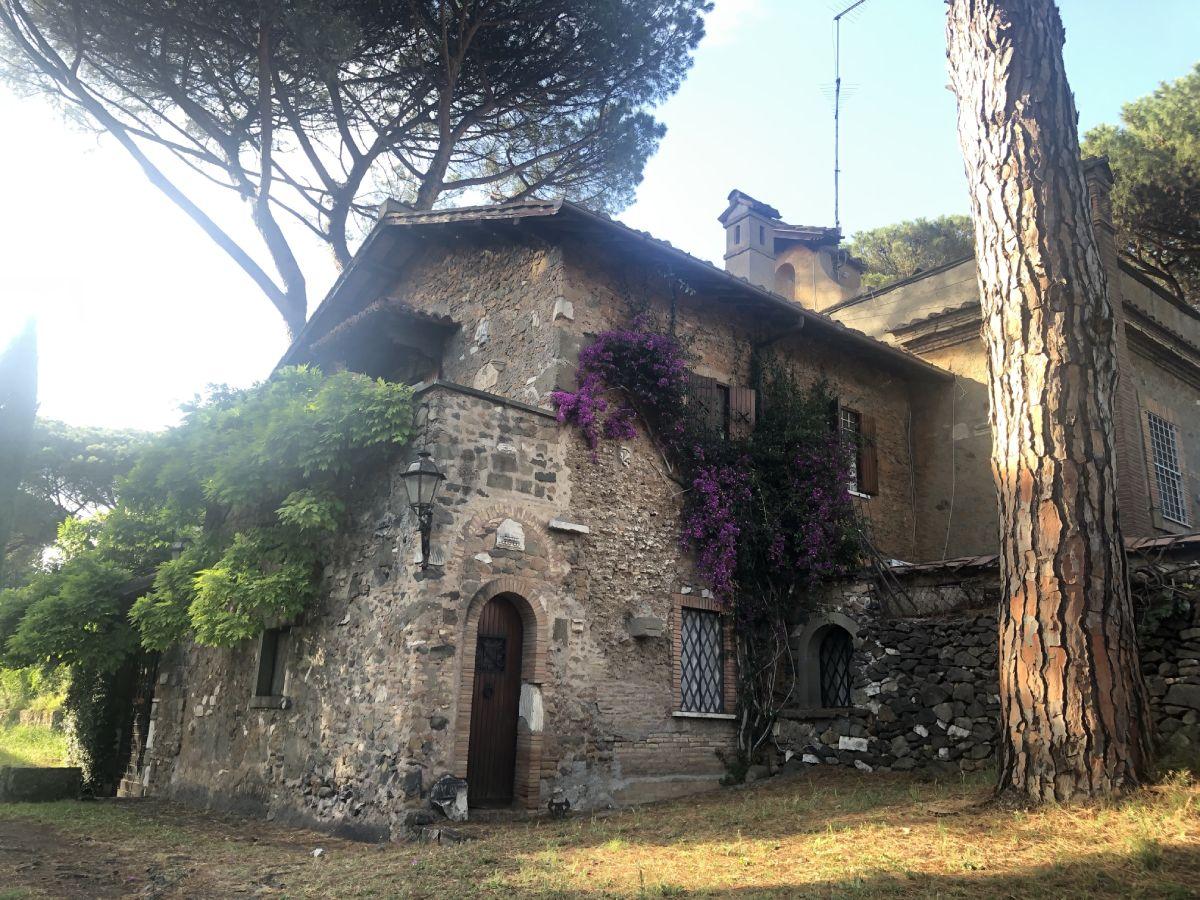 Paesaggio parco dell' Appia antica